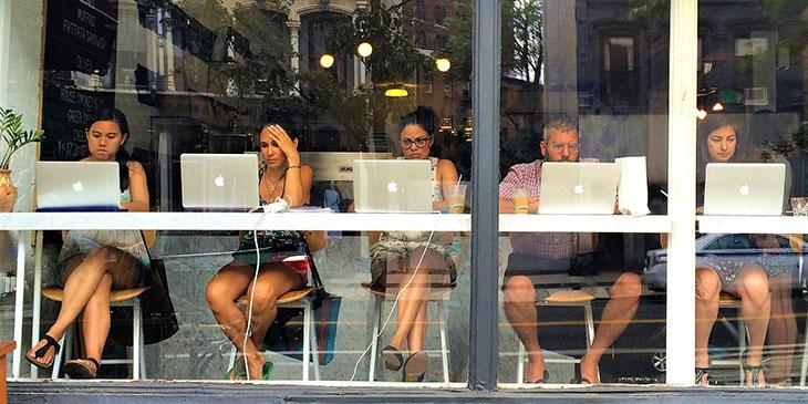 Polacy lubią być online podczas wakacji, foto: Pixabay