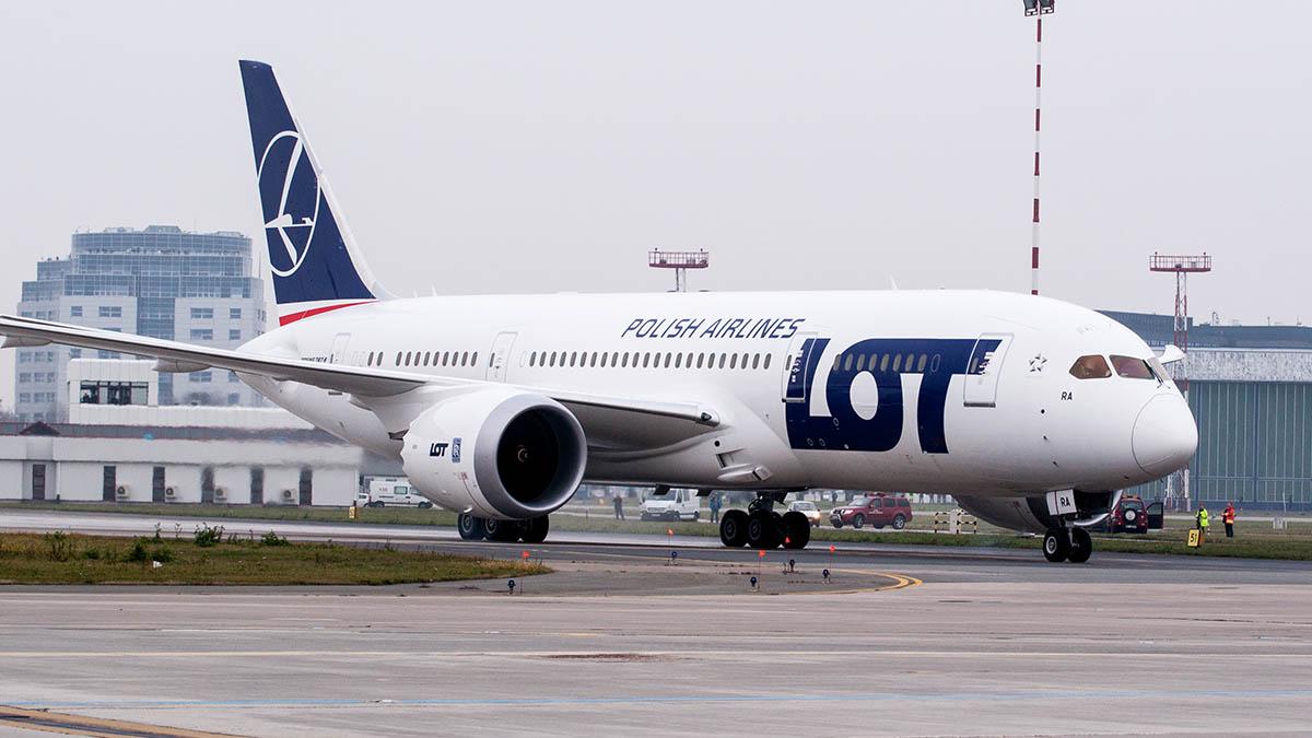 LOT Boeing 787 Dreamliner